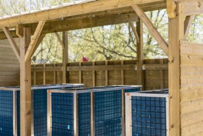 Aménagement bois pour parc aquatique et bâtiment de camping